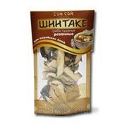 Резанные сушеные грибы Шиитаке, в пакете дойпак 20 грамм фото