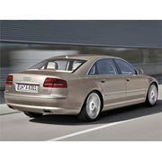 Автомобиль Audi S8 фото