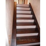 Лестница на металлическом каркасе фото