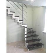 Лестницы на металлическом косоуре, сосна