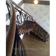 Лестницы с кованным ограждением фото