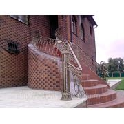 Лестница с перилами фото