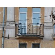 Балконное ограждение с коваными элементами фото