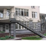 Металлические лестницы и ограждения фото