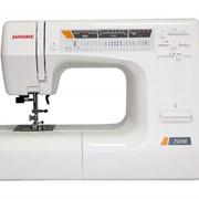 Машины бытовые швейные Швейная машина JANOME 7524E (Позиционирование иглы, регулятор скорости шитья, 11 лапок) фото