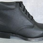 Ботинки с низкими берцами фото