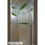 Композиция из стекла гальки и сухоцвета. фото