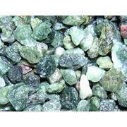 Крошка каменная Змеевик (зеленый) в мешках 20 кг. фото