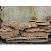 Камень - сланец кварцованный 60-100 кг (желтый с белыми прожилками) фото