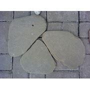 Песчаник пластушка серо-зеленая галтованная фото