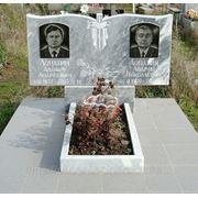 Памятники на могилу из мрамора фото
