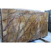 Мрамор серо-коричневый с прожилками фото