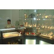 Изготовление торгового оборудования для ювелирных отделов фото