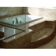 Облицовка ванных комнат натуральным камнем (мрамор гранит оникс)