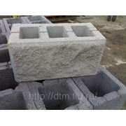Шлакоблок рваный камень ( бетоноблок) фото