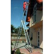 Профессиональная трехсекционная лестница Itoss со стабилизатором серии Forte 3х8 фото