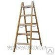 170095 Двусторонняя лестница из дерева, с перекладинами, 2 х 7 перекладин фото