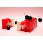 Натуральное мыло с фруктовым ароматом фото