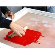 Услуги трафаретной печати набивки на текстильных изделиях фото