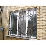 Решетки на окна кованые и сварные. фото