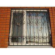 Кованая оконная решетка 11 фото