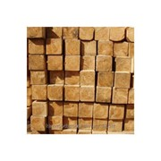 Брус из хвойных и лиственных пород древесины фото