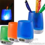 Подставка под ручки и канцелярские принадлежности с часами и подсветкой. Нанесение Вашего логотипа фото