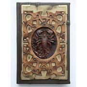 Ежедневник из кожи со скорпионом фото
