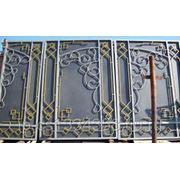 Ворота металлические усадебные готовые фото