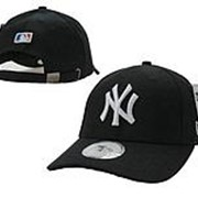 Бейсболка New York Yankees, черная с белым лого фото