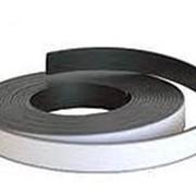 Магнитная лента толщина1, 5мм Х ширина12,7мм Хдлина30,5 метра с клеевым слоем фото