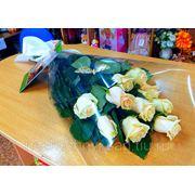"""Букет с 11 кремовыми розами """"Поздравляю, сестренка!"""""""