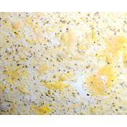 Жидкие обои KOZA № К02 бежево-желтые, с темной крошкой и крупным волокном фото