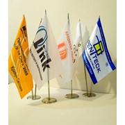Печать настольных флагов фото