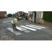 Нанесение дорожной разметки и установка дорожных знаков фото