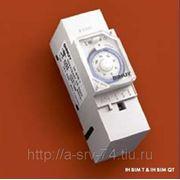 IH BIM T. Электромеханический таймер, суточная программа, минимальный интервал переключения 30 мин., без резерва хода. фото