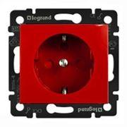 Legrand 774327 Розетка 2К+3 немецкий стандарт, с блокировкой, красная Valena