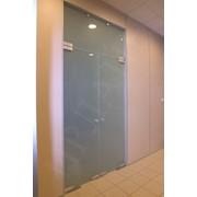 Стеклянные двери Монтаж фото