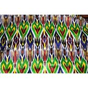 Ткань синтетическая с ярким узбекским рисунком фото