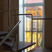 Лестница на ломаном косоуре, лестница интерьерная
