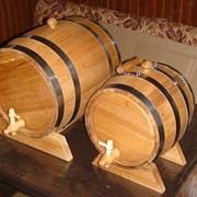 Бочка дубовая для хранения и выдержки вина, коньяка и других крепких напитков с обжигом остова и без. фото
