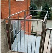 Вертикальный подъемник для инвалидов фото