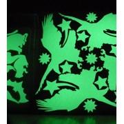 Наклейки, светящиеся в темноте. фото