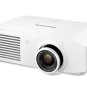Мультимедийный проектор для бизнеса и образования Яркость 2000 - 2800 Panasonic PT-LW271E фото