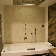 Гидромассажная ванна Jacuzzi Aura Uno Corian фото
