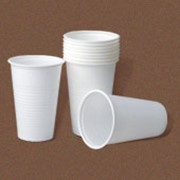 Одноразовые пластиковые стаканы фото