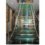 Изготовление стеклянных конструкций (лестници , столы ...) фото