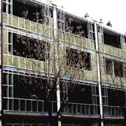 Строительство из легких стальных тонкостенных конструкций (ЛСТК) ограждающих конструкций в сборно-монолитном строительстве фото