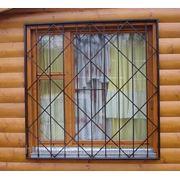 Металлические решетки на окна и двери фото