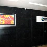 Размещение рекламы на экранах в общественных местах (банки, налоговые) фото